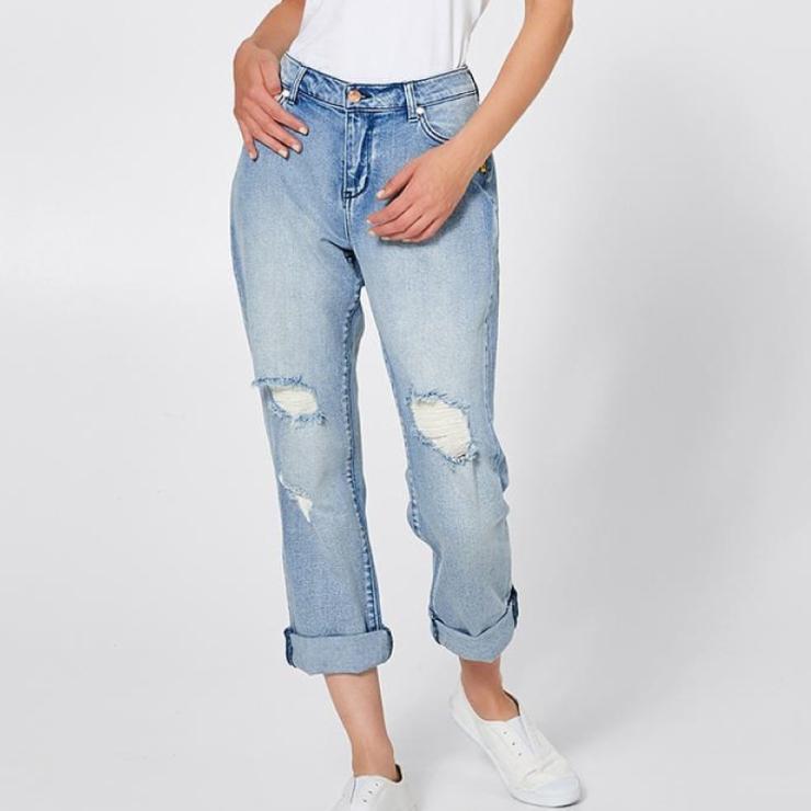 target-Bettina-Liano-Boyfriend-Jeans-800